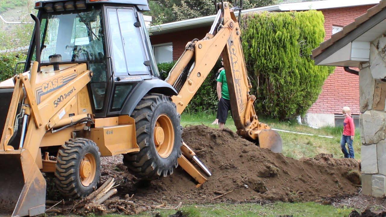 Case 580 L Backhoe Using Back Arm For Digging Youtube