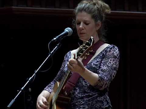 Dar Williams Performs at Wesleyan University