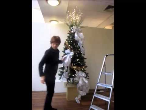 How to dress a Christmas tree by Bents - How To Dress A Christmas Tree By Bents - YouTube
