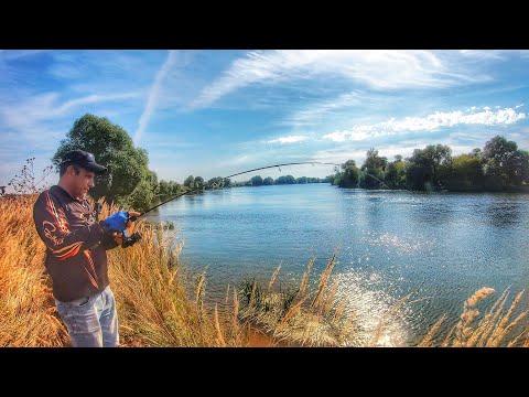 Ловля на спиннинг. Нашел трофей. Рыбалка с другом.