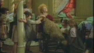 Video Annie - Sandy 1982 (german) download MP3, 3GP, MP4, WEBM, AVI, FLV Oktober 2017