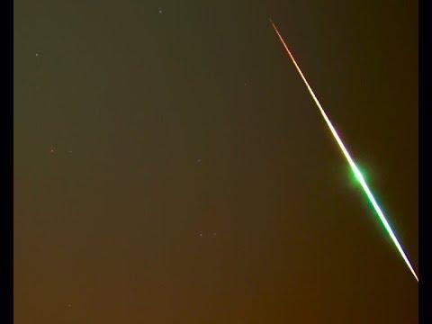 Una colorida bola de fuego sobrevuela el sur de España a 54.000 km/h