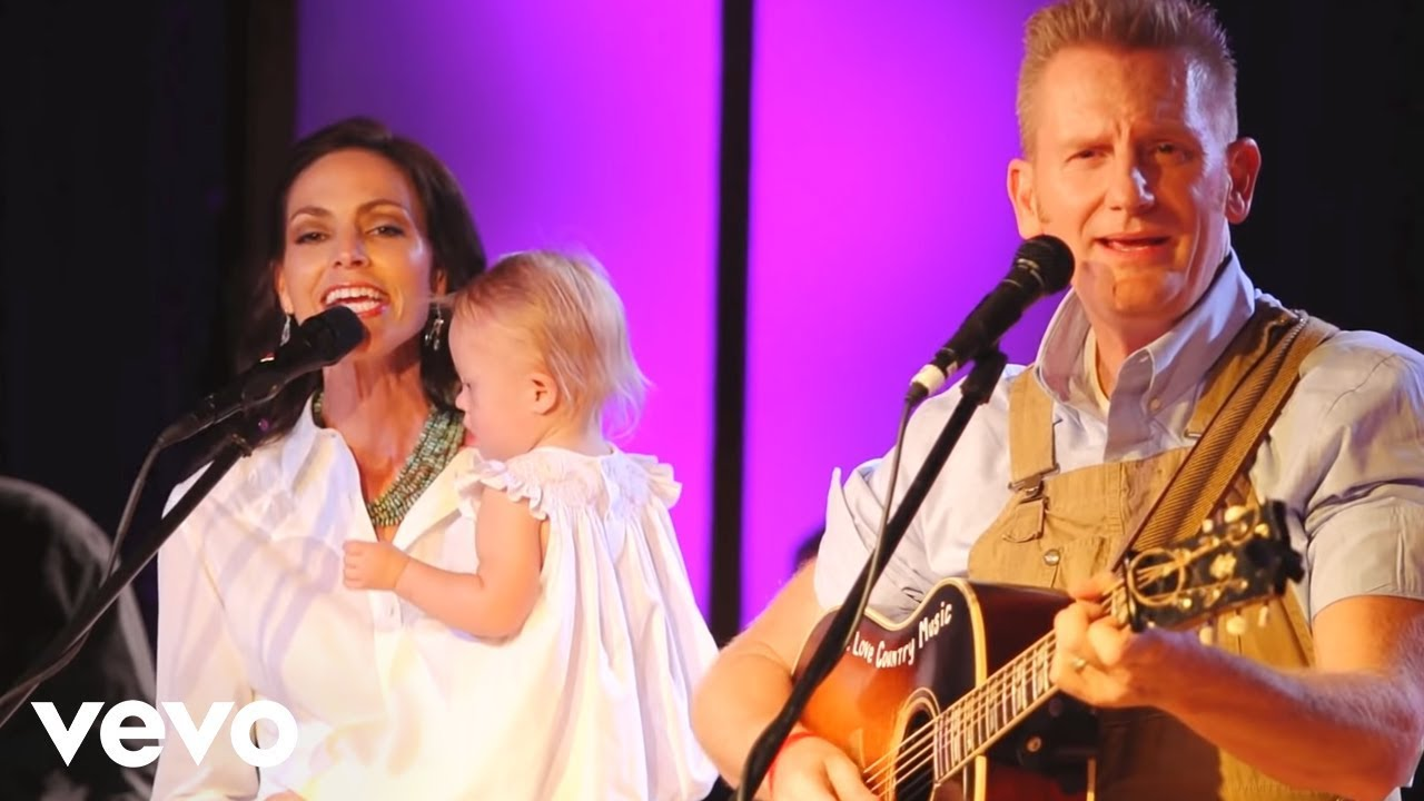 Joey+Rory - Jesus Loves Me (Live) - YouTube