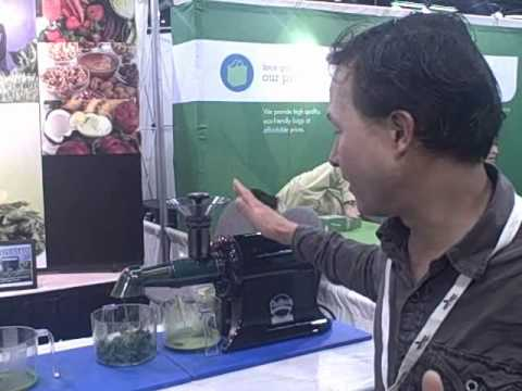 Champion Juicer Wheatgrass and Leafy Green Attachment and 3 HP Omega Blender