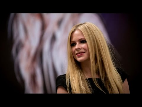 Avril Lavigne Describes Nightmare Experience with Lyme Disease Mp3