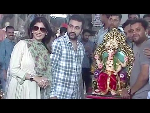 Shilpa Shetty & Raj Kundra's Ganpati 2016 Aagman