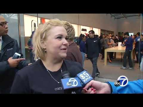 Apple CEO welcomes iPhone X customers to Palo Alto store