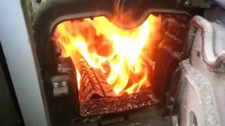 Твердотопливный котел на угле и дровах Viadrus (Виадрус) 40 кВт в работе. Видео отзыв, обзор