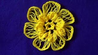 Объемный цветок на вилке(Для объемного цветка нам нужно связать на вилке асимметричную ленту. На основе этого цветка вы можете приду..., 2016-04-01T15:42:22.000Z)