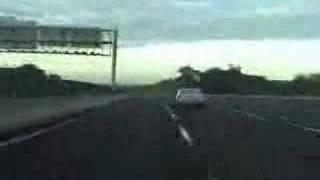 台灣的高速公路時數261公里還被超車