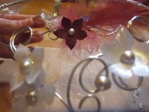 comment fixer des fleurs en tissus sur un bijou en. Black Bedroom Furniture Sets. Home Design Ideas