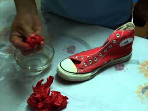 db4fc951e DIY  How to dye your old converse wih tissue paper. Como pintar unos tenis  Converse all star.