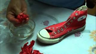 DIY: How to dye your old converse wih tissue paper.  Como pintar unos tenis Converse all star.