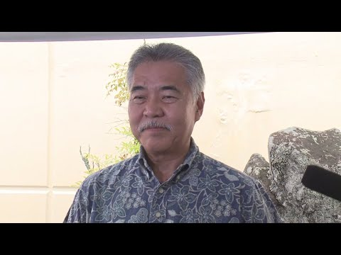 Gov. Ige gets briefed on the latest from Hawaii County Civil Defense
