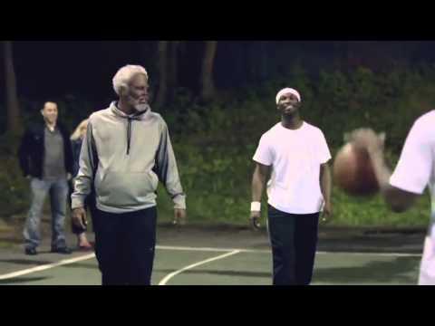 HD:Игрок NBA играет в баскетбол под видом старика.(Часть 1)