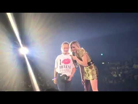 Helene Fischer In Leipzig Mit Der Kleinen Olivia Youtube
