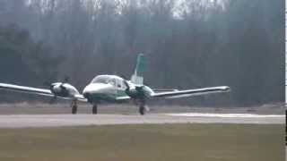 Piper PA-34-220T Seneca III powerful take-off @ Zwartberg