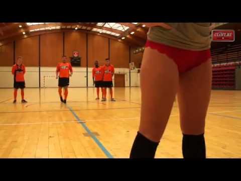 Сексуальный футбол В Бельгии или мячом по ЖОПЕ