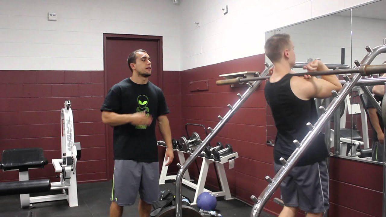 Front Squats Crossed Arm Grip Vs Clean Grip Youtube