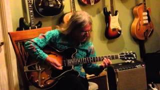 Neil Haverstick demos a 1961 Gibson ES-330