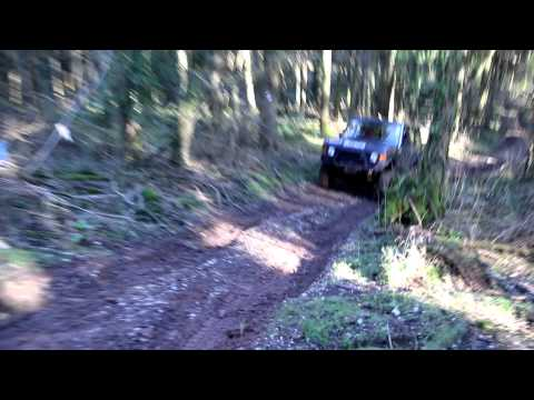 The 'Scandanavian Flick'... with a RWD only Range Rover  (the front drive shaft had broken)