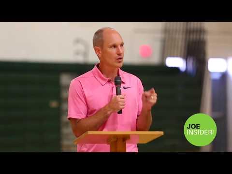 Former Detroit Lions kicker Jason Hanson speaks at Glen Oaks Community College