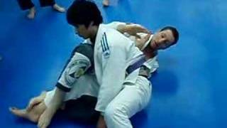 "koreabjj(johnfranklbjj) counter to the ""switch"" 1/2guardpass"