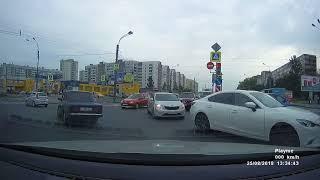 Смотреть видео ДТП 25.08.2018 авария Санкт-Петербург Большевиков и Крыленко онлайн