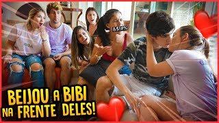 MEU IRMÃO BEIJOU A BIBI NA FRENTE DE TODOS!! - TROLLANDO AMIGOS [ REZENDE EVIL ]