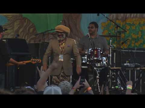 HR (Bad Brains) with members of Long Beach Dub All Stars