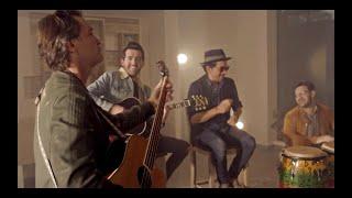 Смотреть клип Bacilos Y Alejandro González - Carta A Cupido