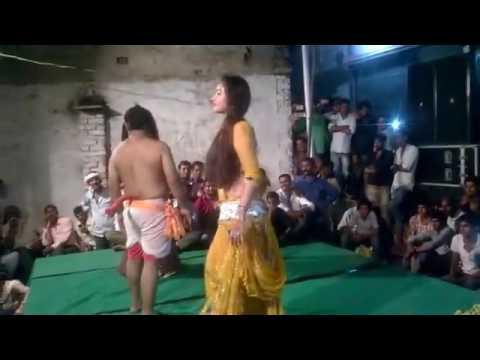 Desi village murga dance..!! Bihar arkestra funny video