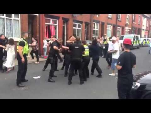 Harehills Leeds...... Police and locals catch up