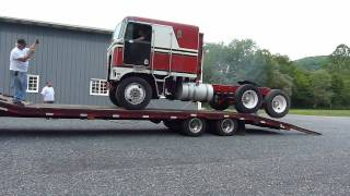 1977 Kenworth Cabover out for paint job Part 1