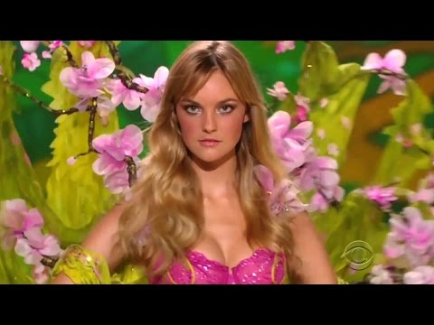 Carol Trentini Victoria's Secret Runway Walk Compilation 2005-2009 HD
