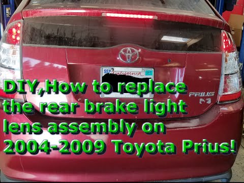 2004 2009 Toyota Prius Replace The Rear Brake Light Lens Embly