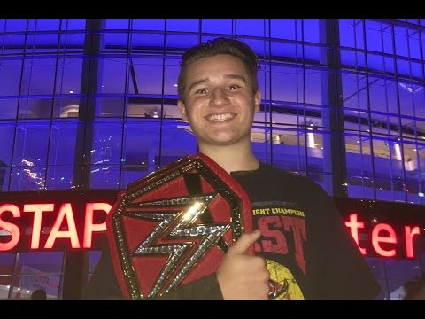 WWE LIVE HOLIDAY TOUR! VLOG at STAPLES CENTER!