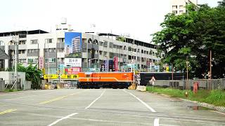 2018.08.30 貨物列車7221次通過二聖路平交道