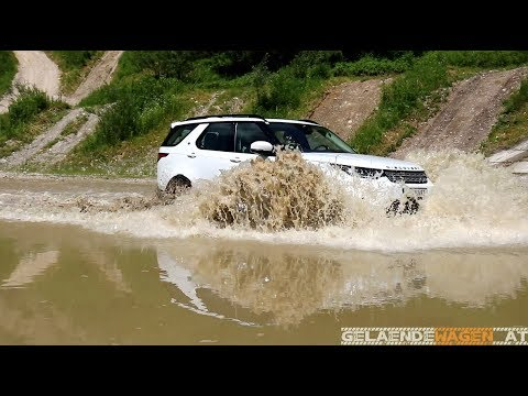 Land Rover Discovery 5 offroad