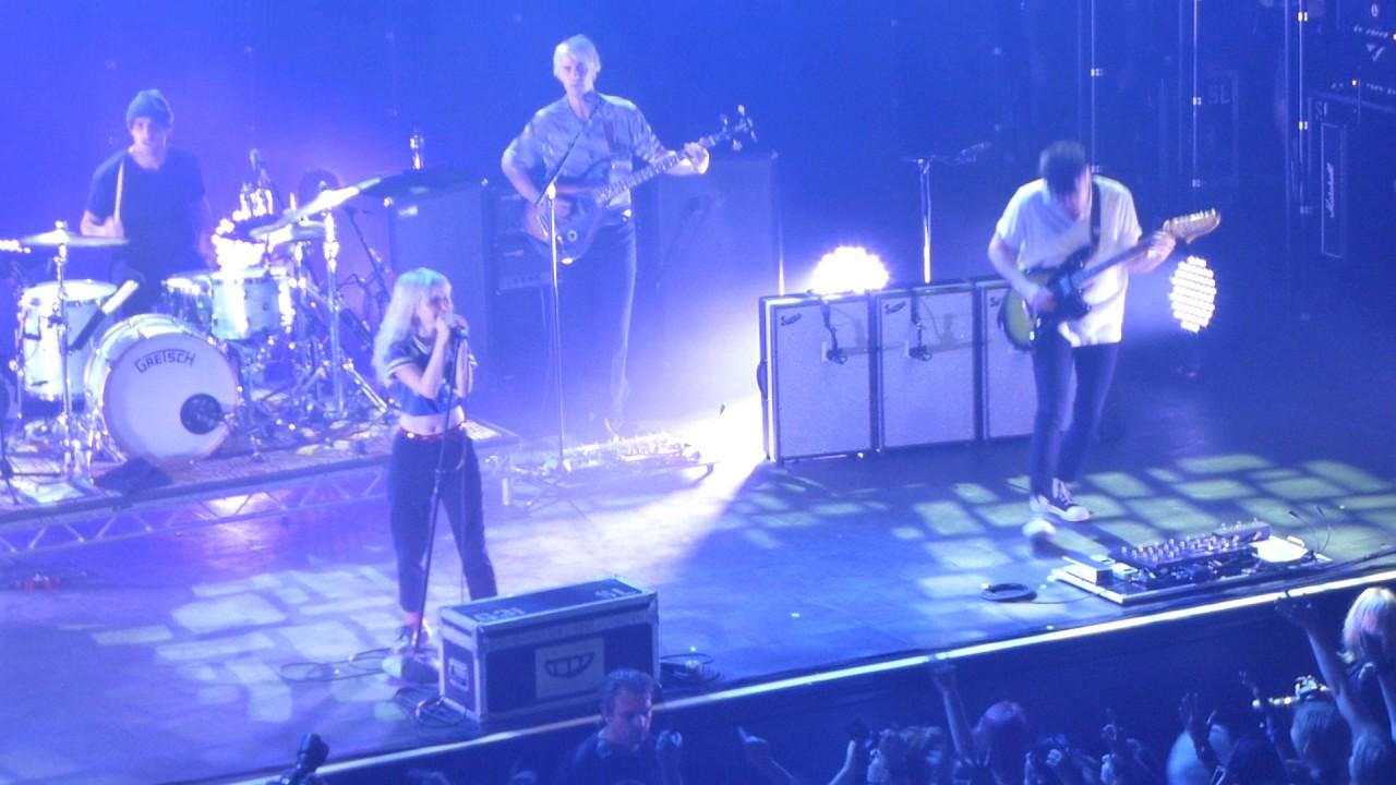 Paramore Brick by Boring Brick - Live 013 Tilburg 2017 ... Paramore 013