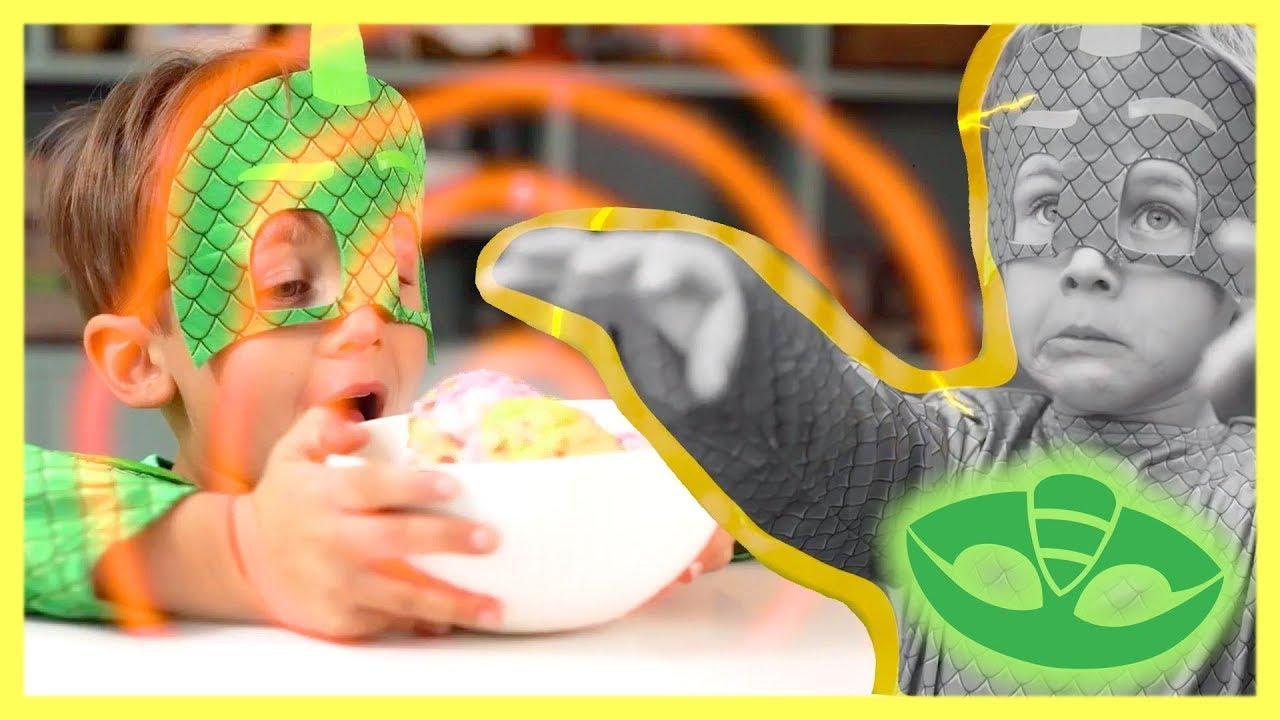 PJ Masks in Real Life ? Ice Cream MIND CONTROL?! ? Halloween PJ Masks ?