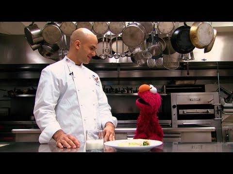 Elmo Visits the White House Kitchen