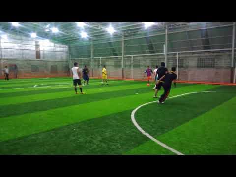 Personil Lhoknga olah raga futsal bersama kapolsek