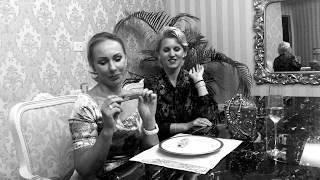 Former Miss Lithuania Reda Karosiene & former Miss Romania Anca Verma savouring Olialia Cheesecake