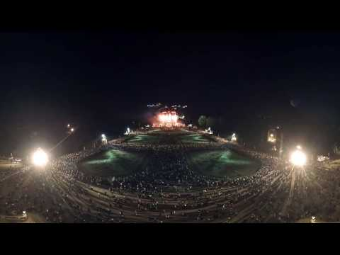 360° Scenes from the Vienna Summer Night Concert starring the Vienna Philharmonic - Fireworks