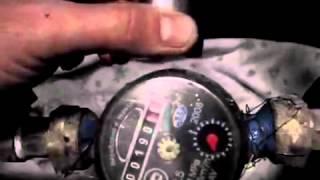 Как остановить счетчик воды водомер с помощью магнита medium(ГАЗ., 2015-04-24T01:23:44.000Z)