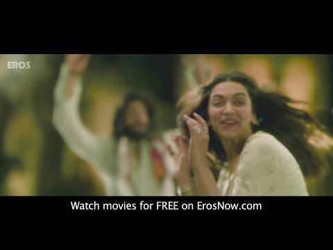 Ranveer plays holi - Goliyon Ki Rasleela Ram-leela