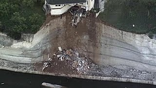 Raw: House Teeters on Edge of 75-foot Cliff thumbnail