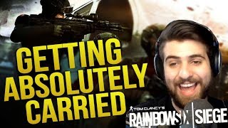 Getting Carried By Pros w/ BasicallyIDoWrk, TheRussianBadger, TuxBird & Wildcat | Royale Does Siege