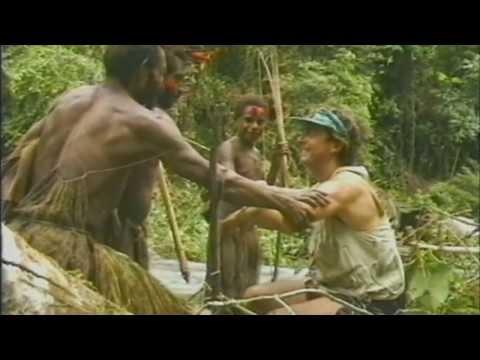 Смотреть онлайн как трахаются аборигены в африке, парень ласкает и сосет грудь девушки